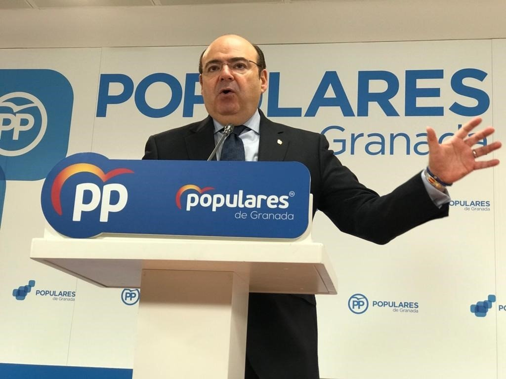 El PP pide a los socialistas que se «retraten» por el «pacto de la vergüenza» de Pedro Sánchez