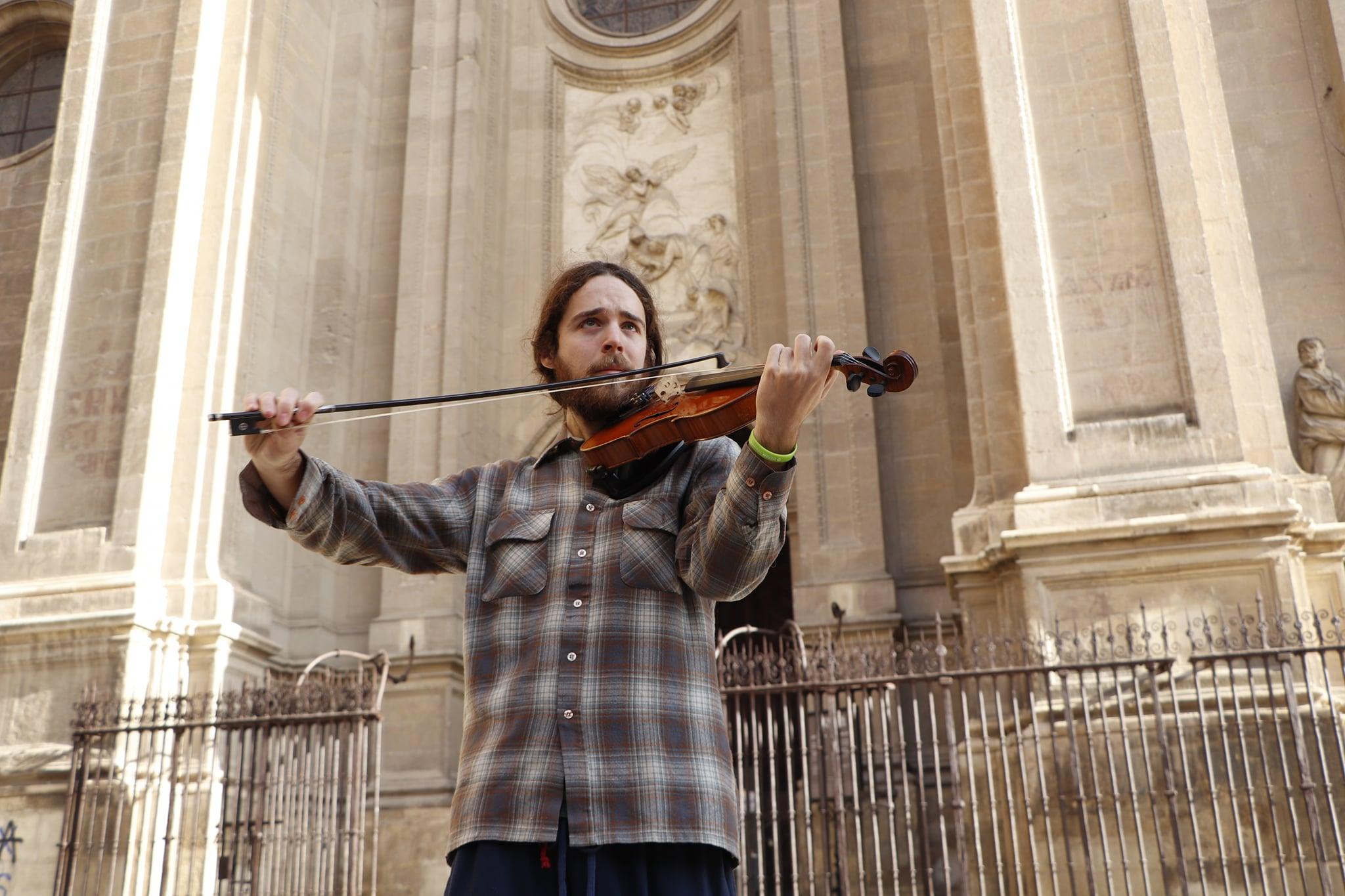 Podemos-IU presenta una iniciativa para favorecer la música en directo en la calle