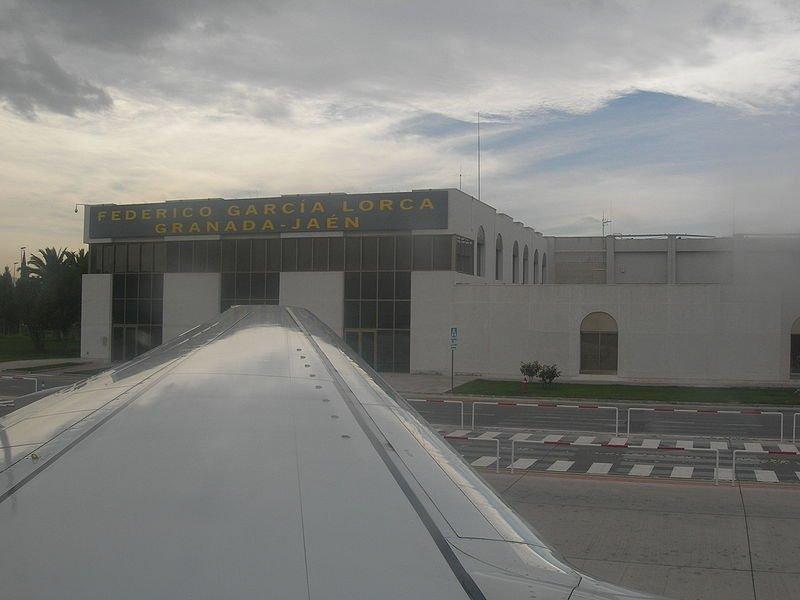 El aeropuerto García Lorca, único andaluz incluido en el plan de Aena para afrontar problemas de hielo y nieve