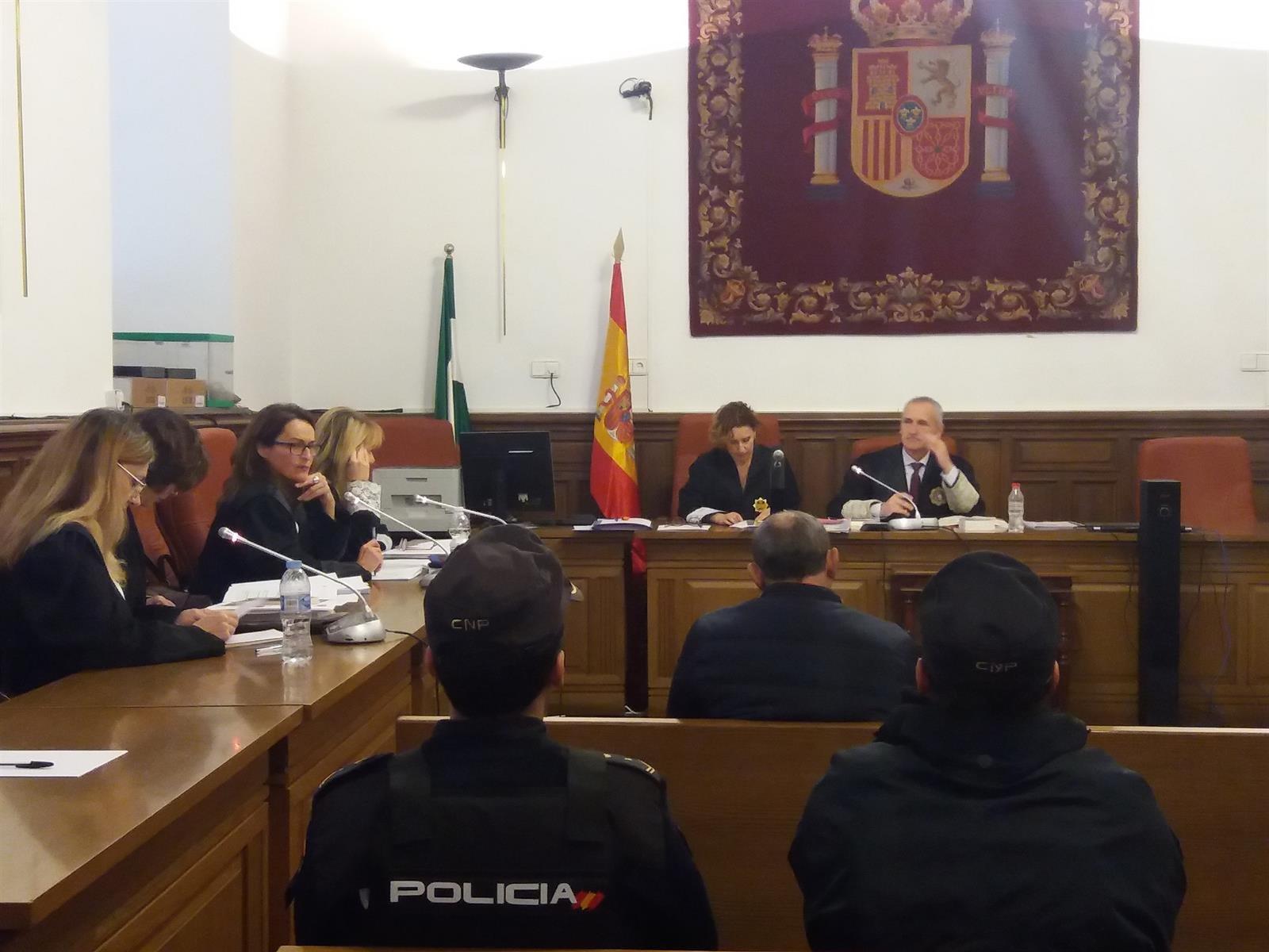 El jurado del juicio contra el acusado de matar a su mujer en Guadahortuna comienza a deliberar