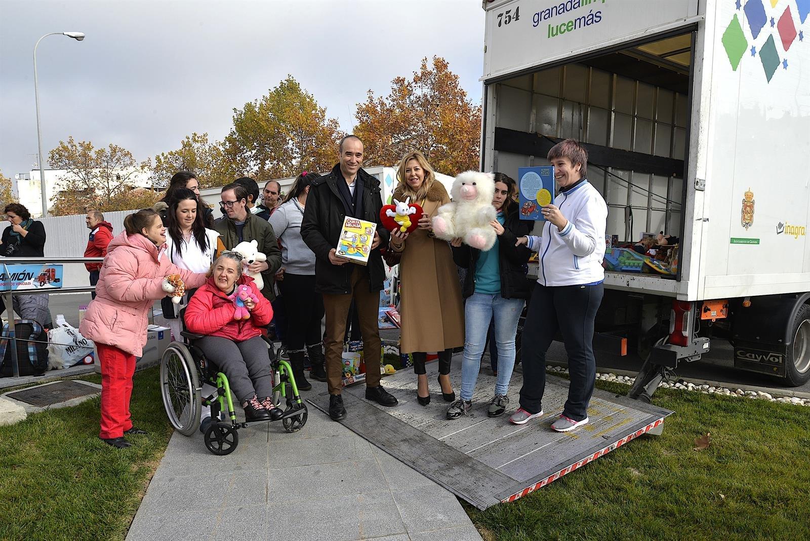El Ayuntamiento promueve la recogida solidaria de juguetes para los más necesitados