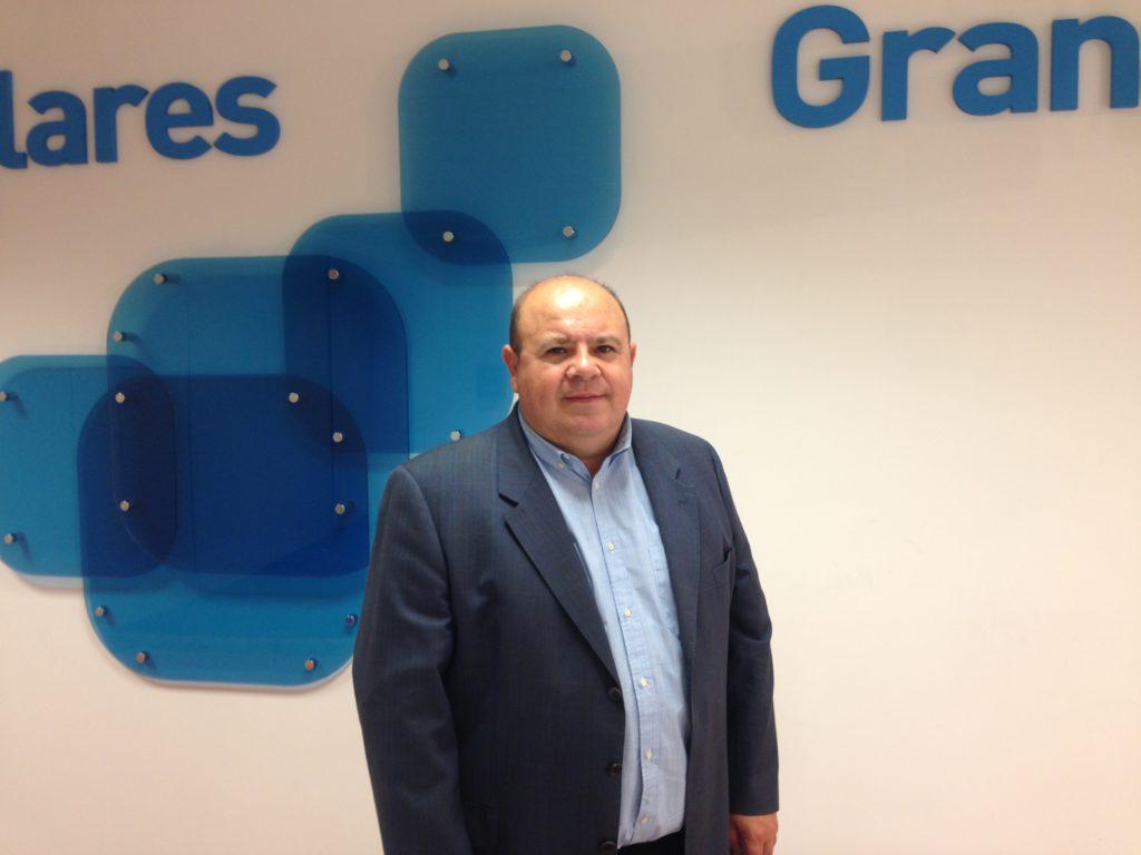 El PP reclama a la Diputación la retirada las placas conmemorativas donde aparezcan Chaves y Griñán