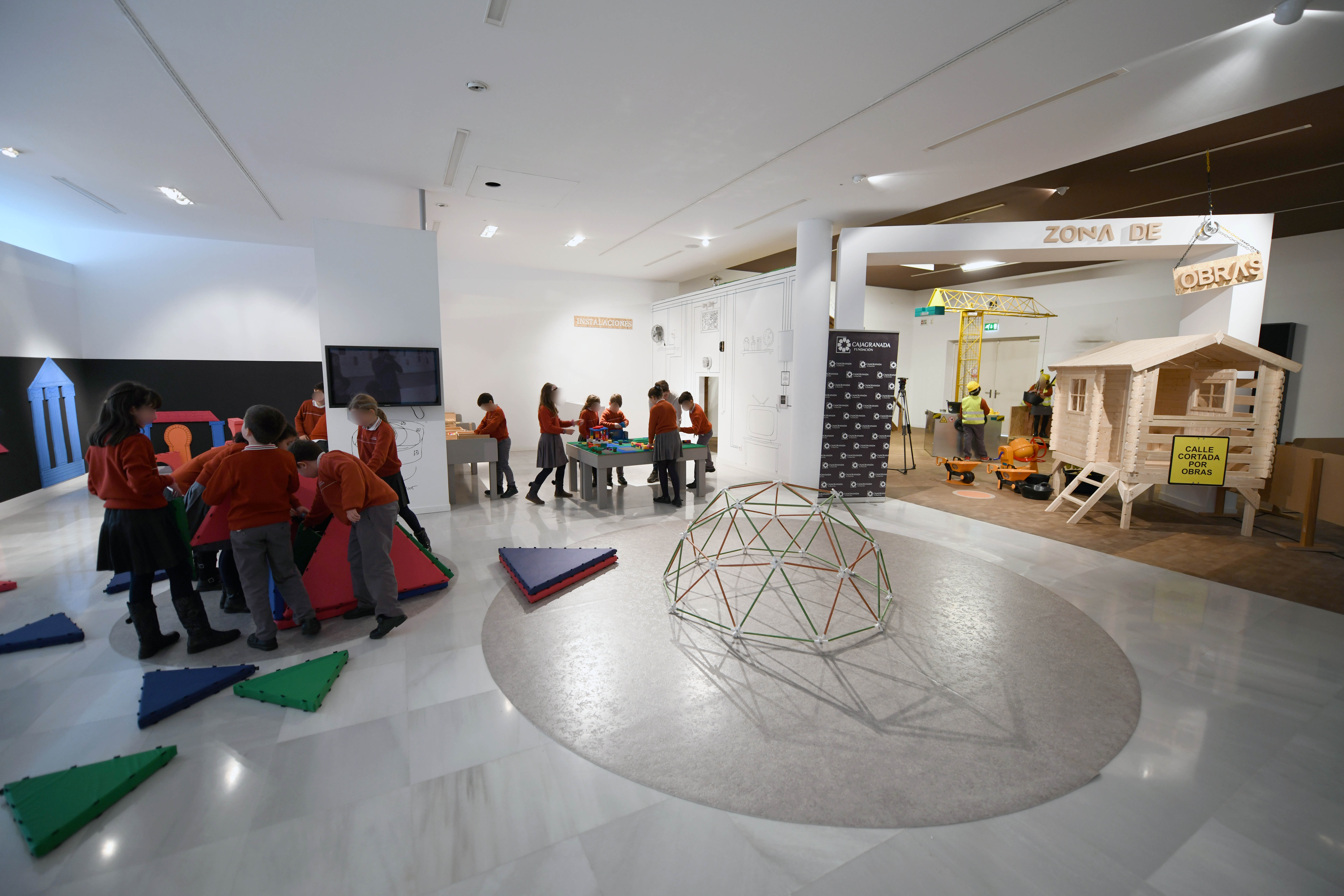Las Fundaciones de CajaGranada y Cajasol organizan  el programa educativo 'De arquitectos va la historia'