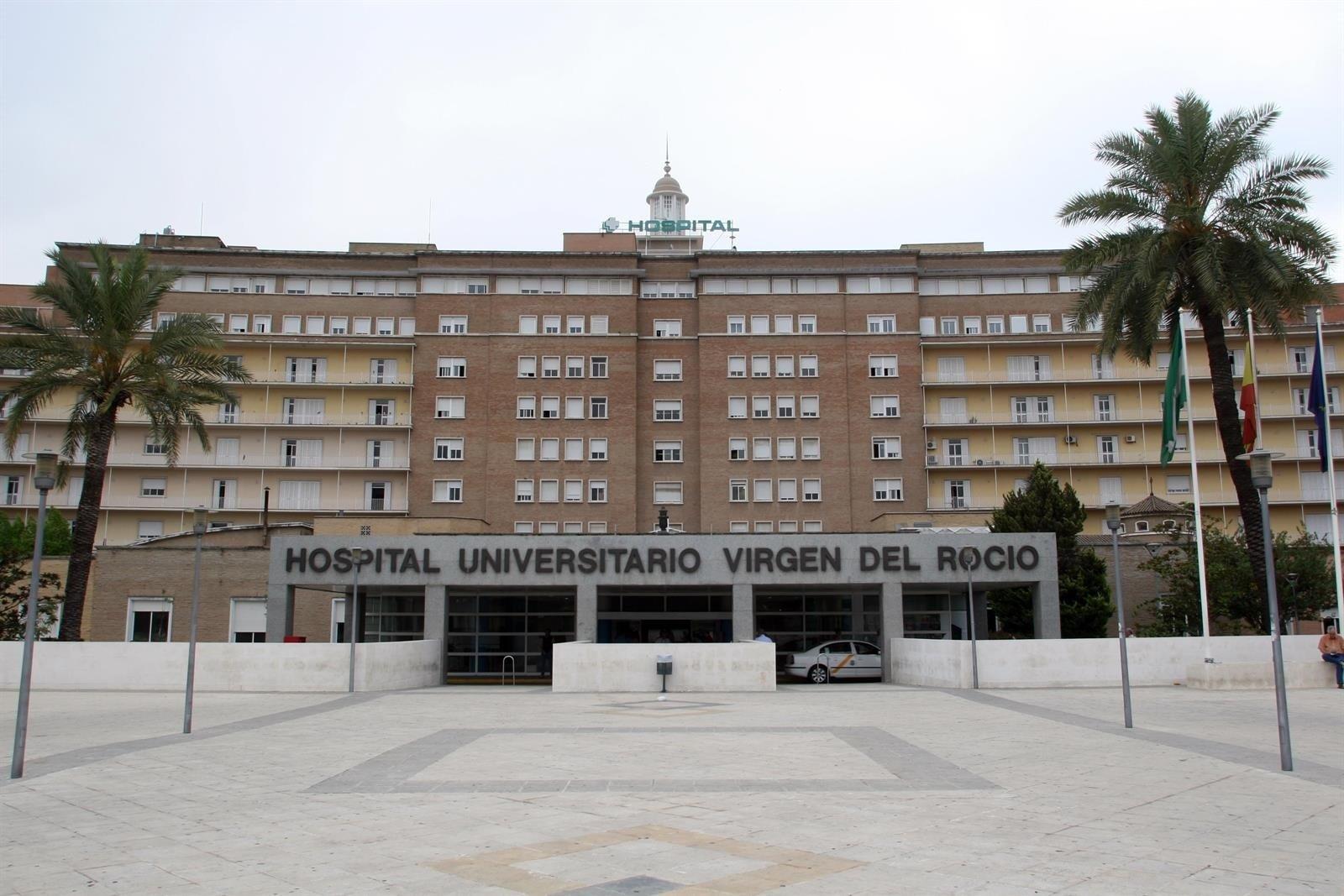 Trasladada a Sevilla la herida tras explotar una barbacoa en Maracena