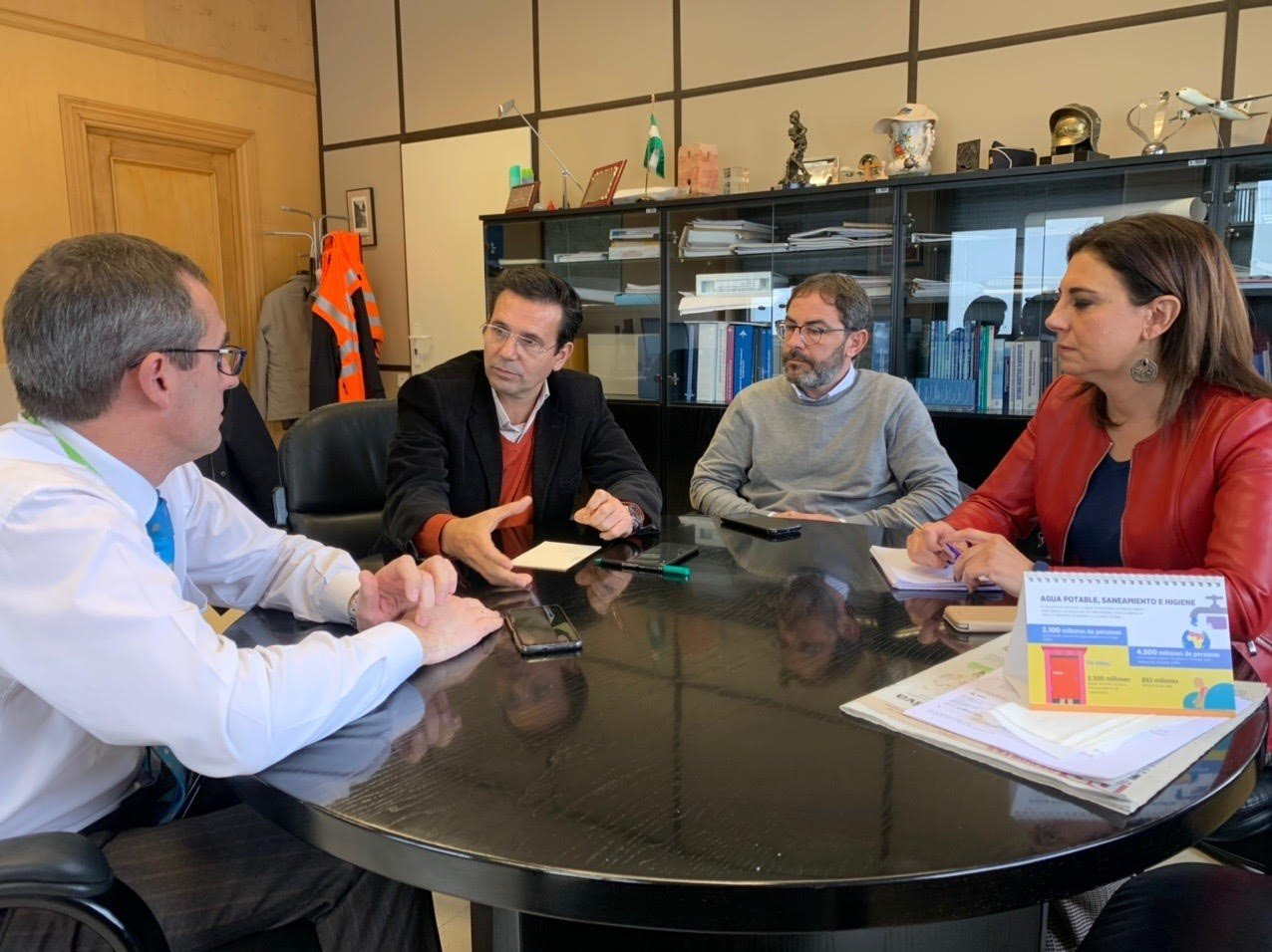 El PSOE apuesta por «mantener políticas de acuerdos» que permitan «fortalecer el aeropuerto»
