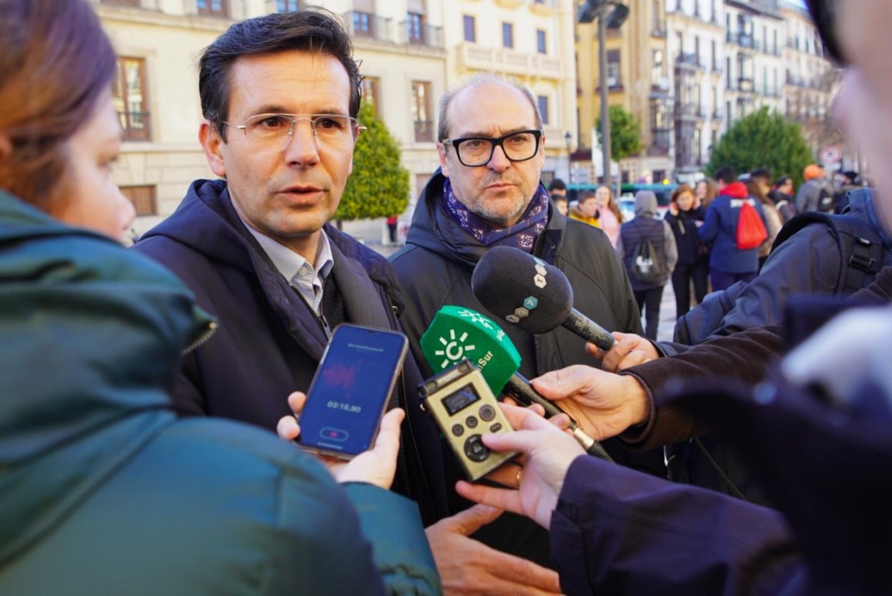 EL PSOE cree una «barbaridad» que la Junta fomente la adicción al juego bonificando el 100% de los impuestos a las empresas de tragaperras