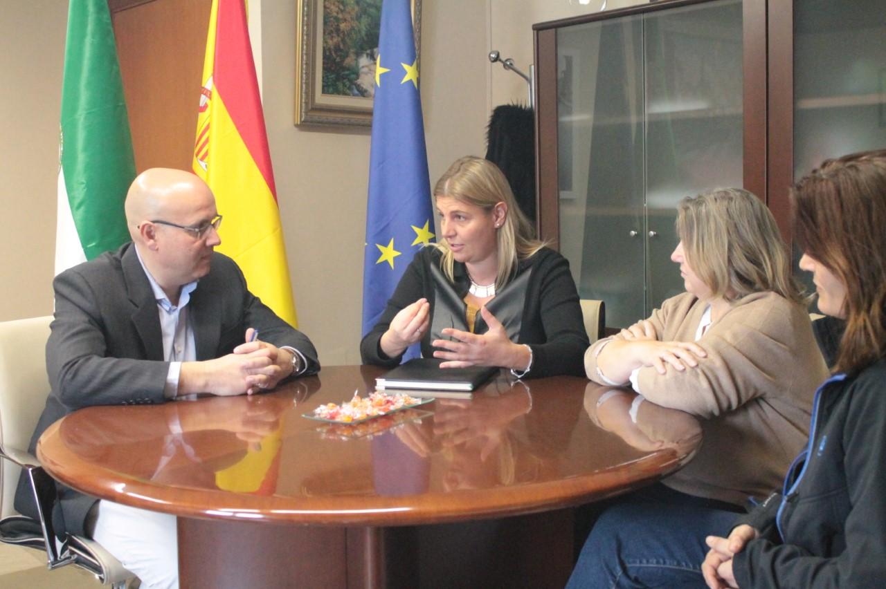El Ayuntamiento de La Zubia afirma que la sentencia sólo les pide motivar los contratos eventuales
