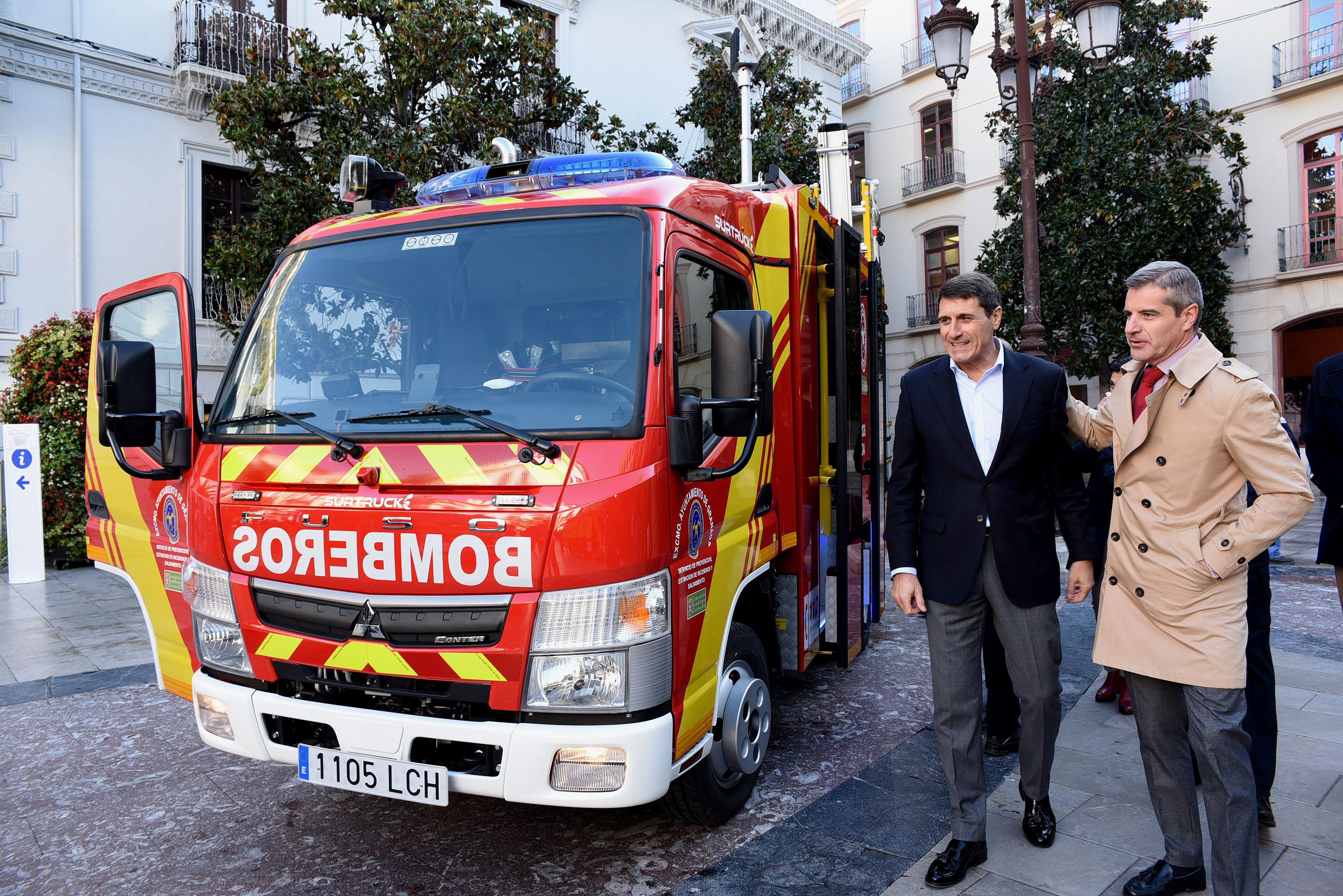 Los bomberos estrenan dos vehículos de pequeñas dimensiones para asistencia en barrios históricos