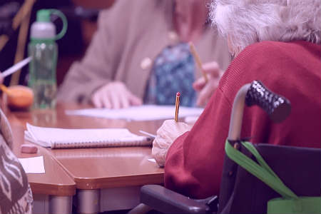 Denuncian que el Ayuntamiento pagará a monitores 5 euros al mes para actividades de infancia y mayores