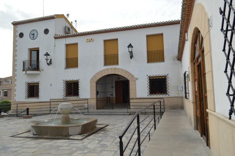 El Ayuntamiento de Láchar niega que las obras por las que fue condenado a pagar se hicieran sin contrato