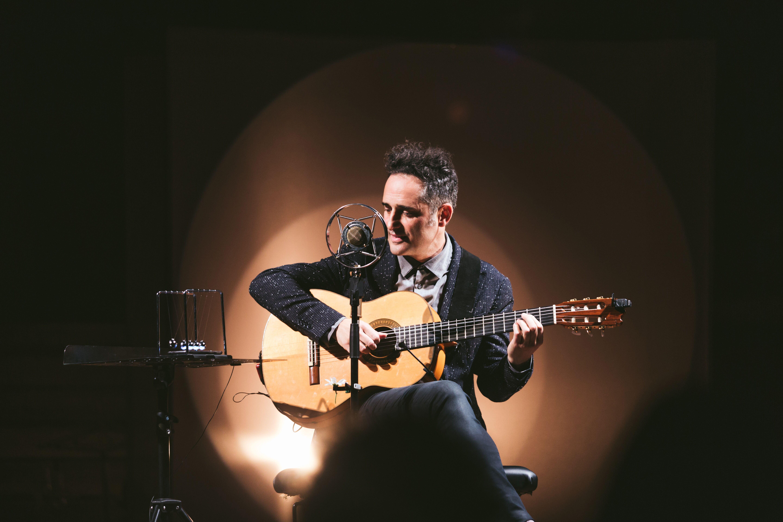 Jorge Drexler cierra su gira «silente» en Granada