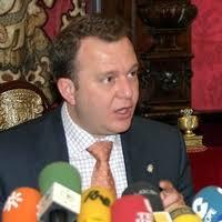 El juzgado ordena embargar los bienes de Eduardo Moral exconsejero delegado de Emucesa