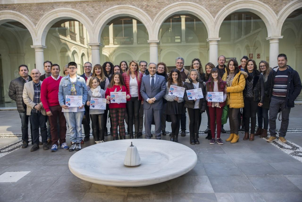 Dos alumnas de Salobreña e Íllora ganadoras provinciales del 'Premio Solidaridad en Letras'