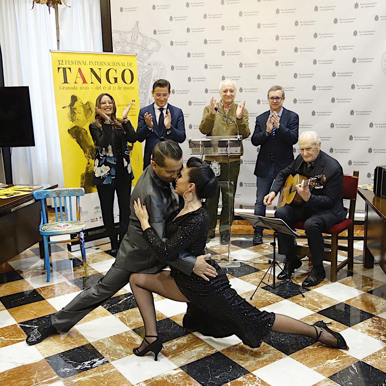 Ernesto Alterio, Jorge pardo y la Orquesta y Coro de la UGR en el Féstival de Tango de 2020