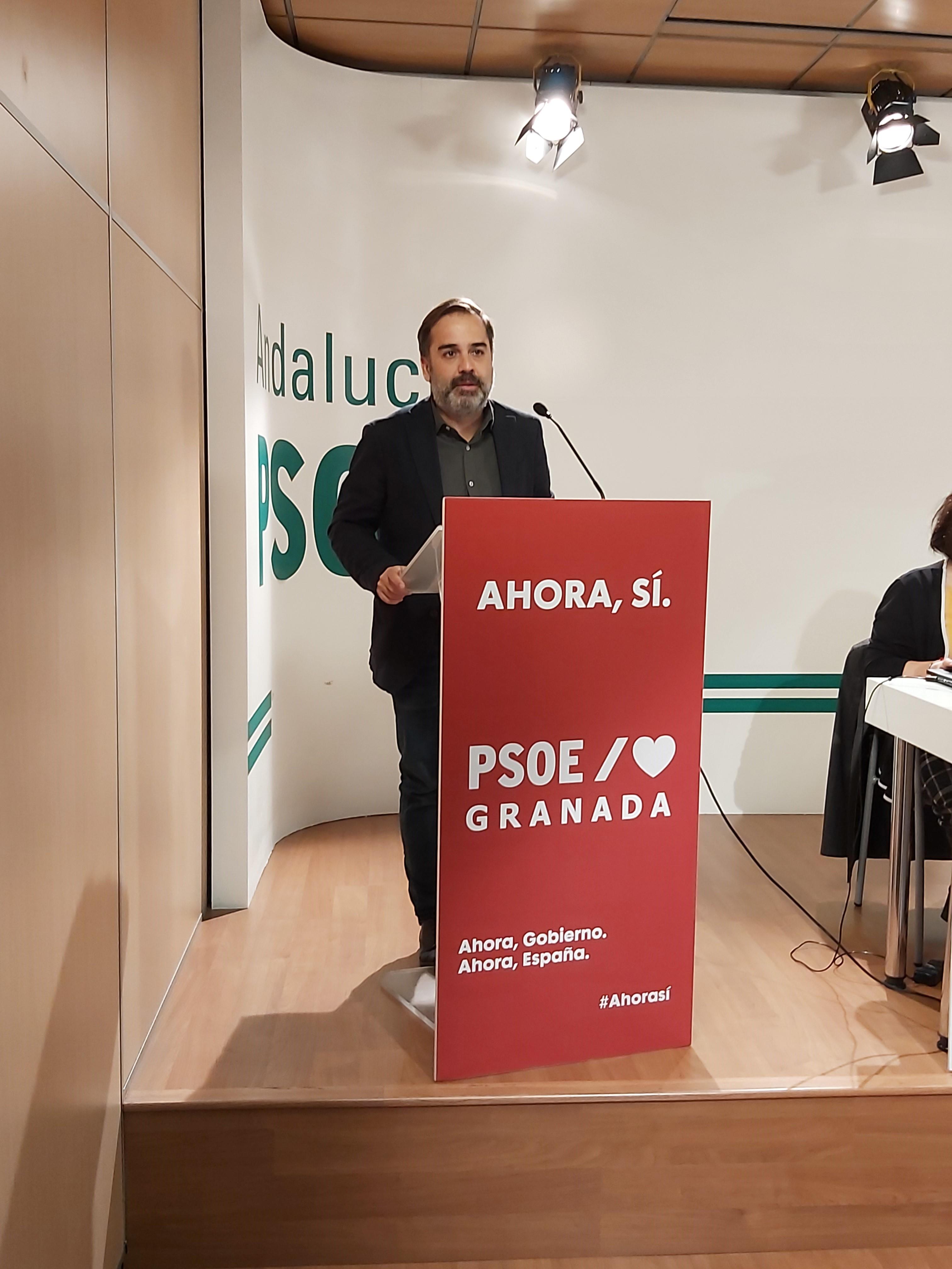 El PSOE considera que Luis Salvador es un irresponsable por sugerir un contagio masivo en Granada