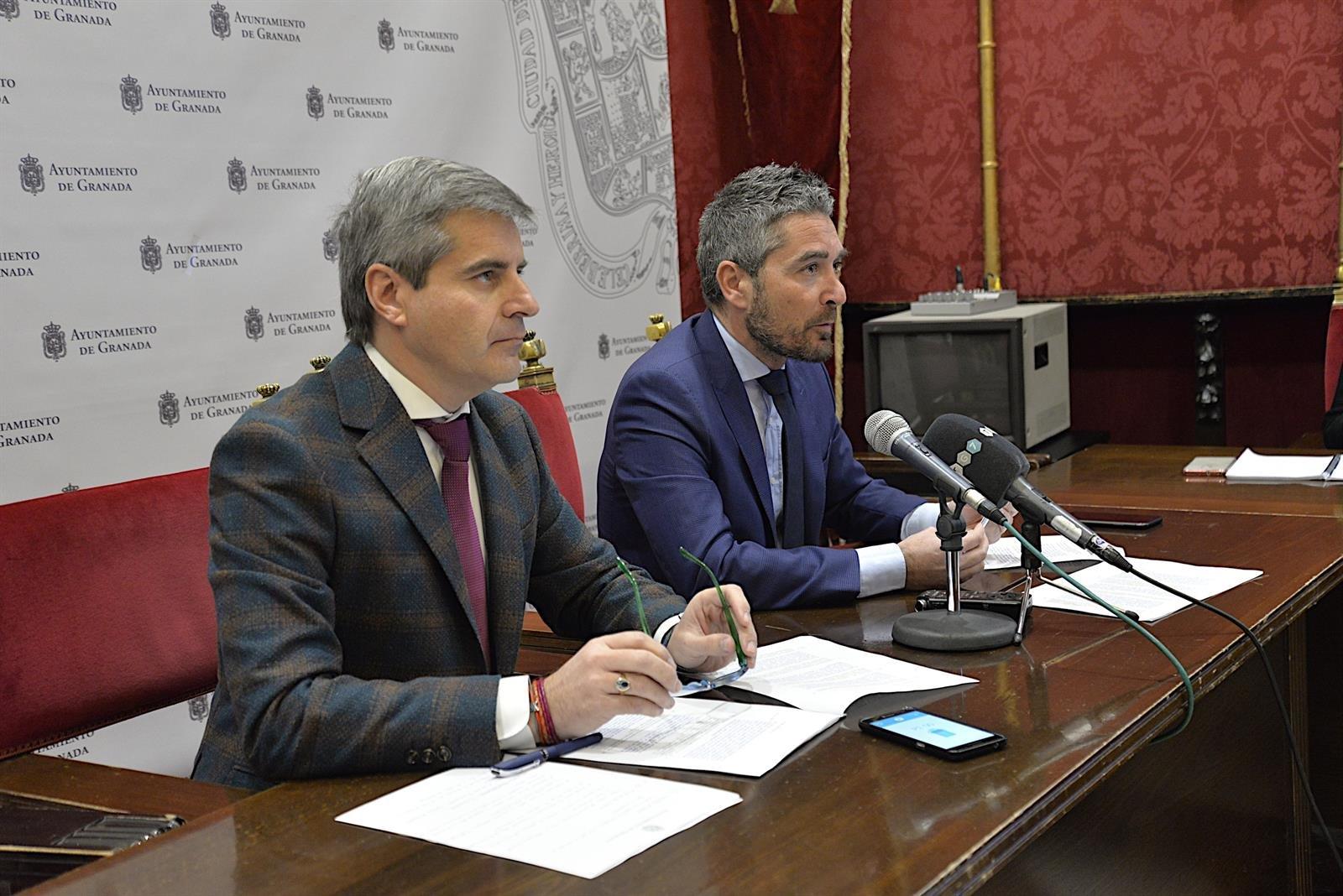 El alcalde retomará la presidencia de la comisión de grandes contratos tras dejarla el portavoz de Vox