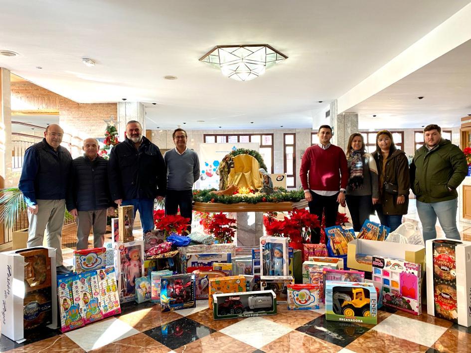 El PP entrega regalos solidarios en el Hospital San Juan de Dios
