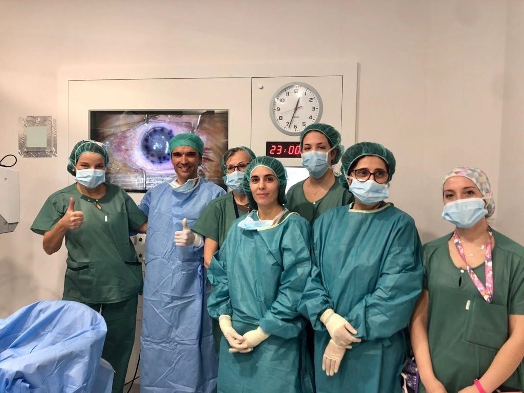 El Hospital Virgen de las Nieves incorpora una técnica novedosa para trasplantes de córnea