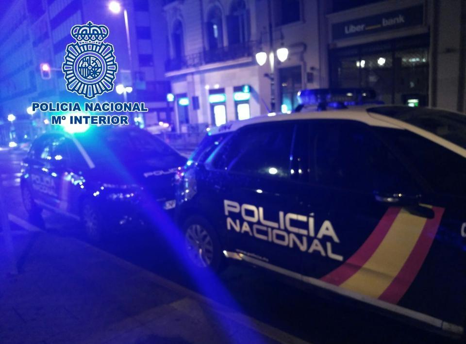 Detenidos mientras robaban móviles en el interior de una discoteca
