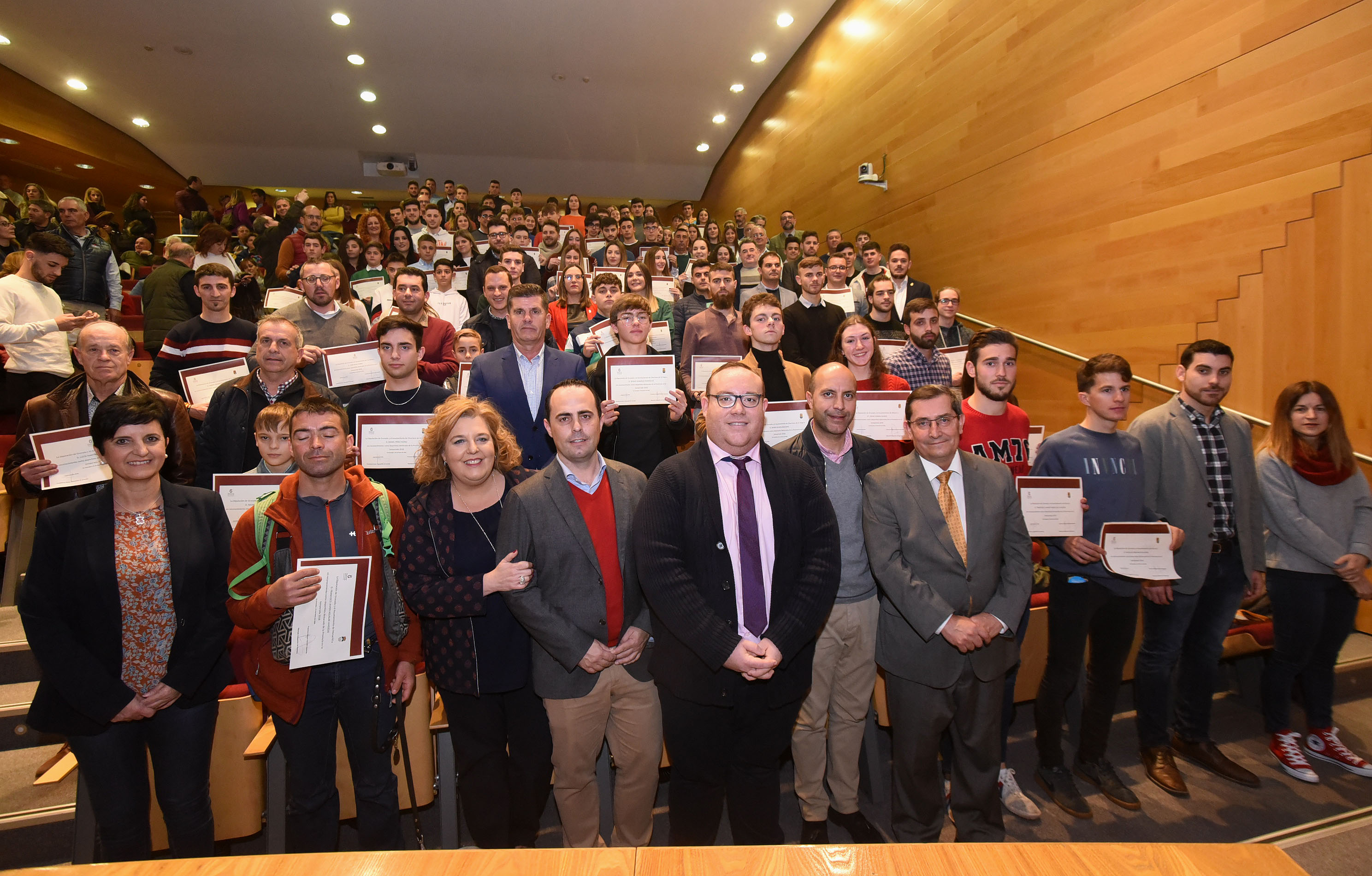 154 deportistas de la provincia reciben becas de Diputación