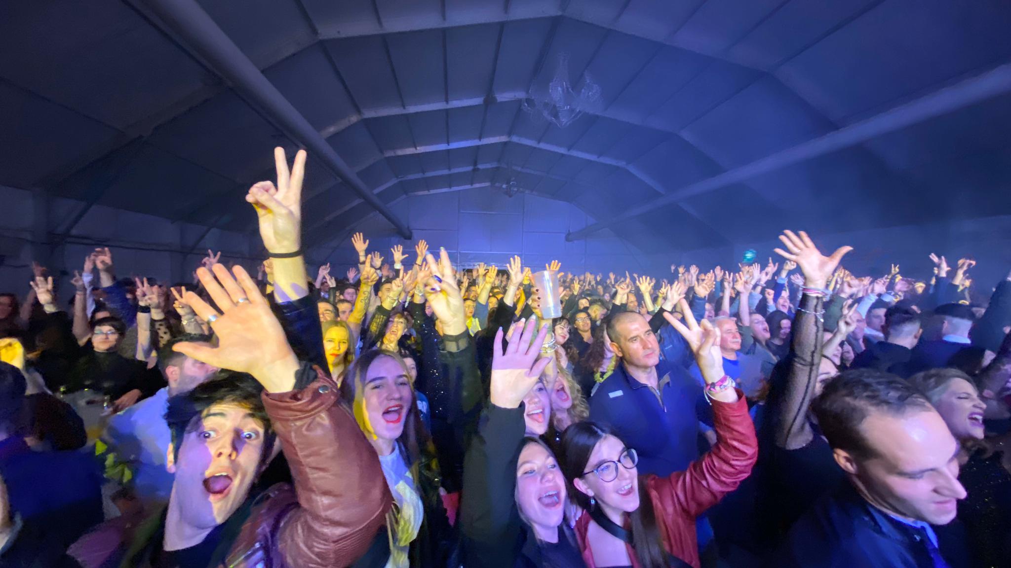 5.000 personas dan la bienvenida al 2020 en La Zubia