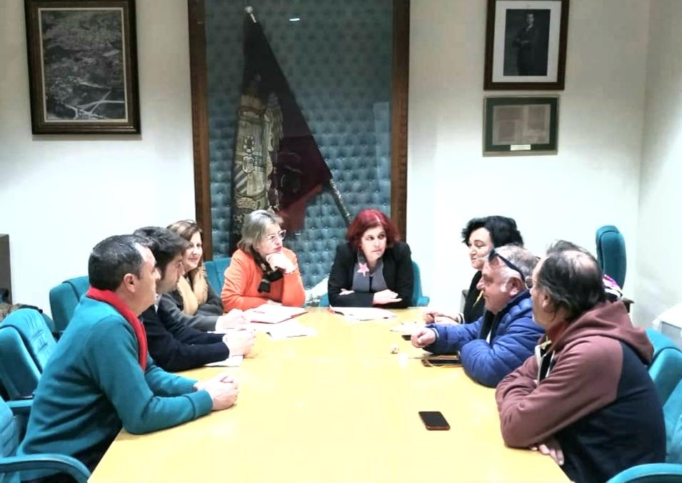 Reunión del PSOE con las plataformas ferroviarias del norte de Granada para conocer sus propuestas.