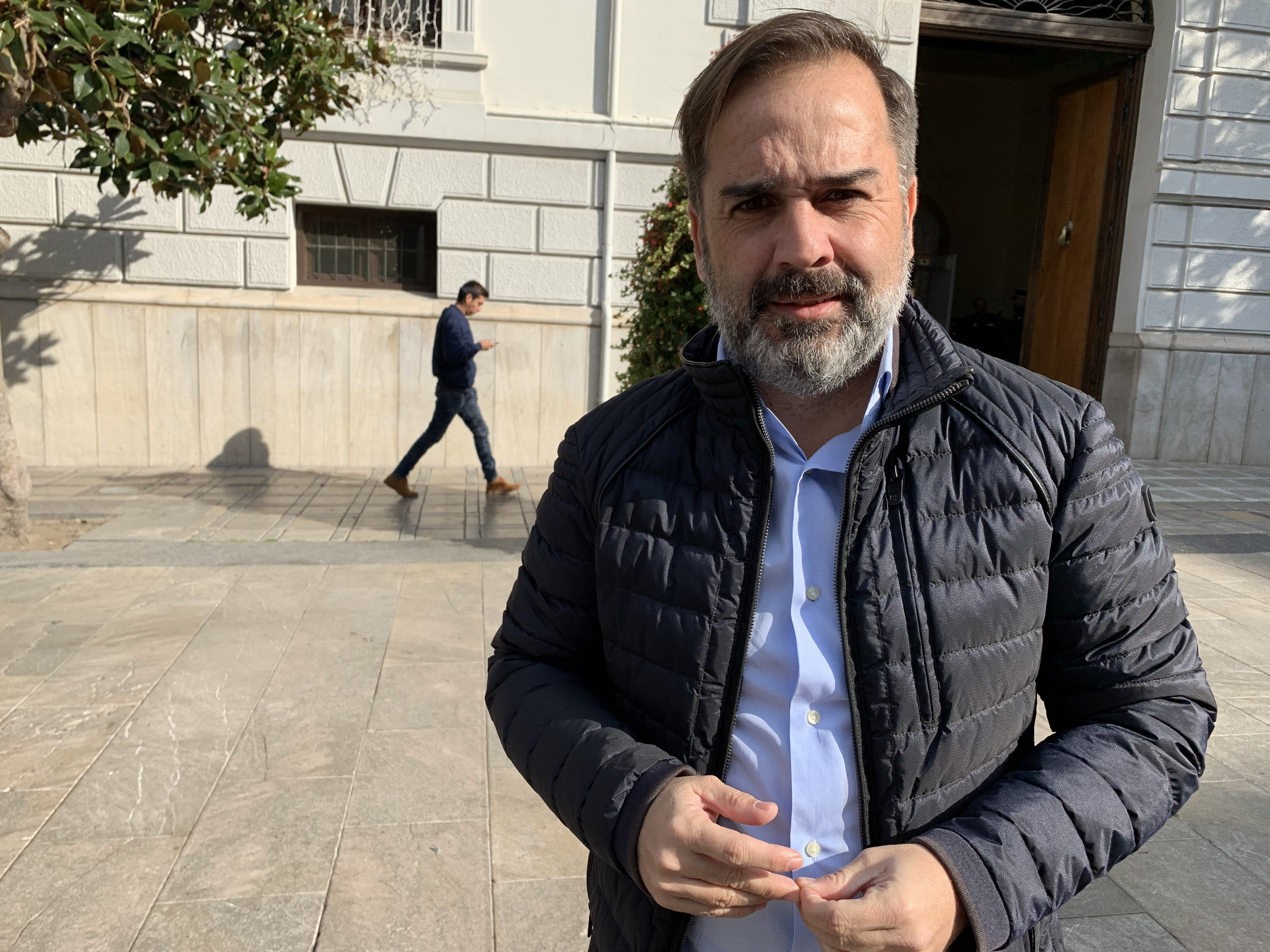 El PSOE considera a Salvador un «alcalde de salida» y pide a PP y Cs que pidan perdón a los granadinos