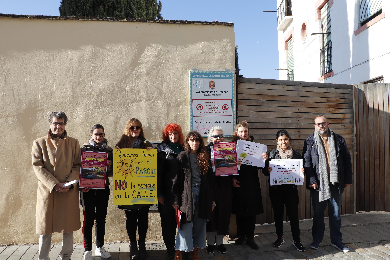Los vecinos del Realejo con el apoyo de  Podemos-IU piden que se abra el Parque Zen