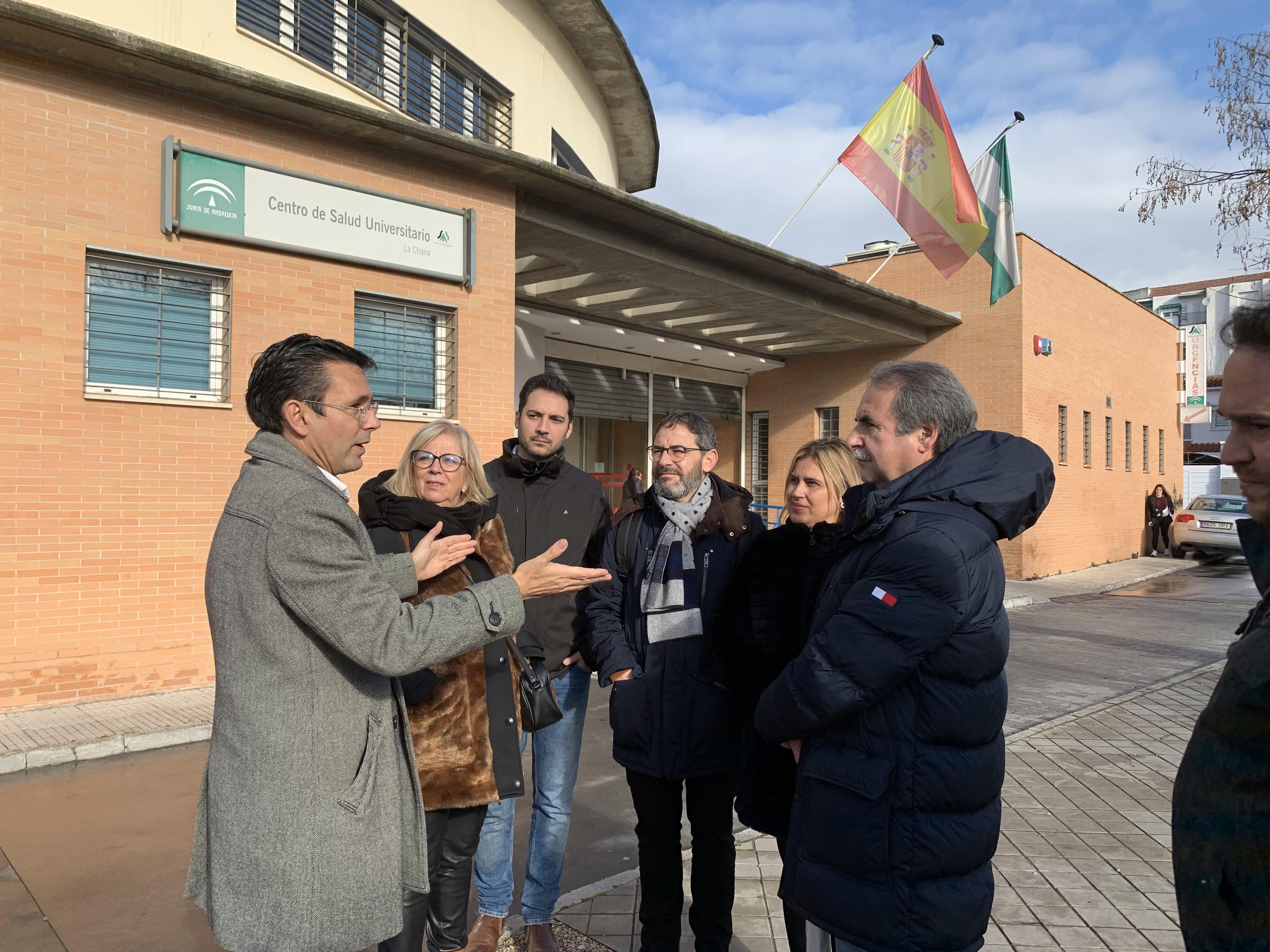 El PSOE exige acabar con el caos sanitario en el Centro de Salud de la Chana