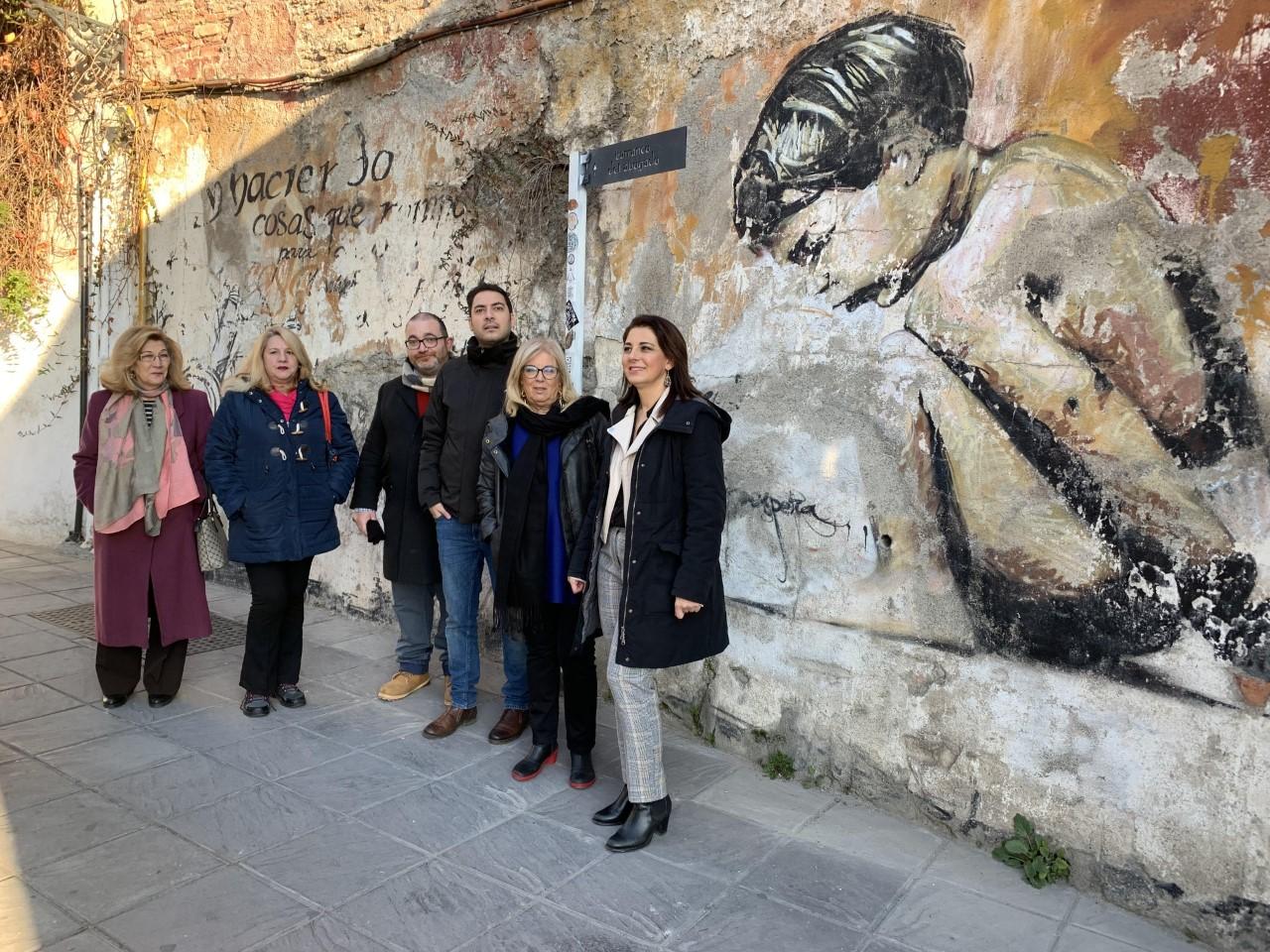 El PSOE pide al equipo de gobierno protección para las obras grafiteadas del Niño de las Pinturas del Realejo
