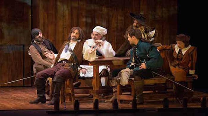 Jose Luis Gil es Cyrano de Bergerac en el Isabel la Católica