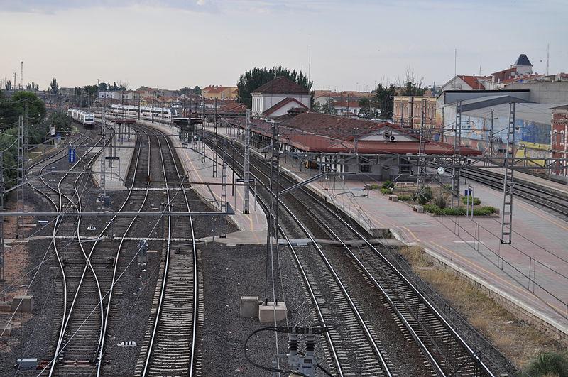 El trayecto ferroviario Almería-Guadix-Madrid, se hará en autobús desde Valdepeñas
