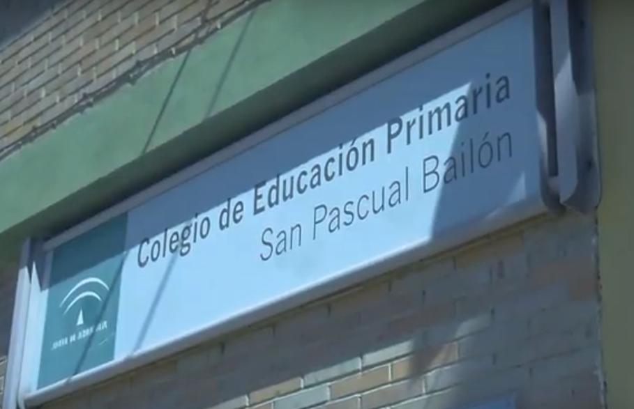 El PSOE de Pinos Puente exige al Gobierno Local (Iu+Cs) la puesta en funcionamiento de la calefacción del Colegio Municipal