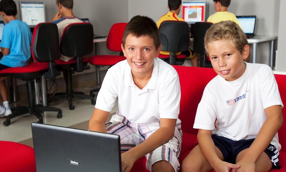 Los centros Guadalinfo celebran el 'Día de Internet' con el desarrollo de videojuegos centrados en la Covid-19