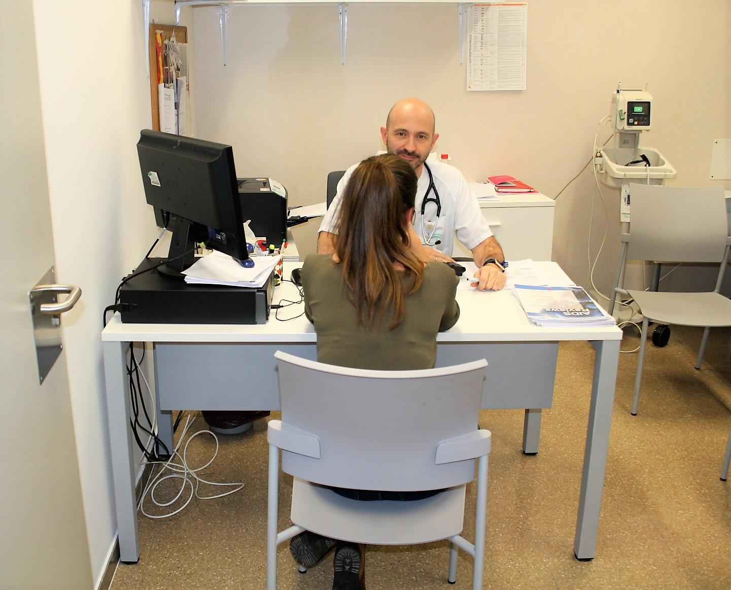 El Hospital San Cecilio estrena consultas de ITS sin necesidad de cita previa