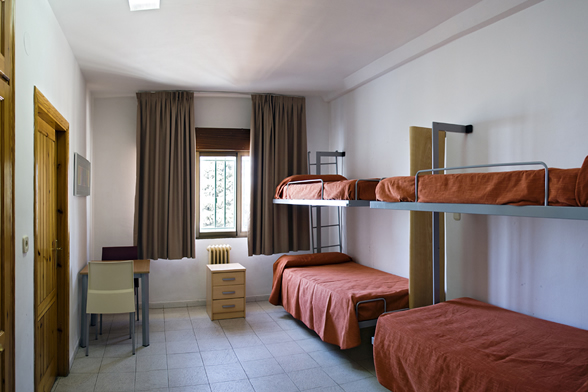 El alcalde de Víznar asegura que la falta de seguridad ha provocado la fuga de inmigrantes del albergue