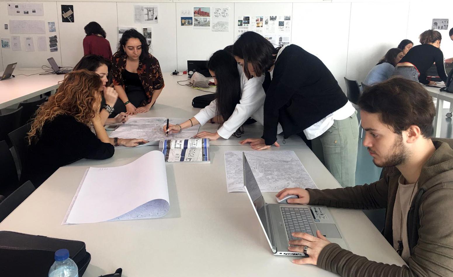 La ETS de Arquitectura acoge un 'laboratorio de ideas' para repensar el río Genil ante los retos del cambio climático