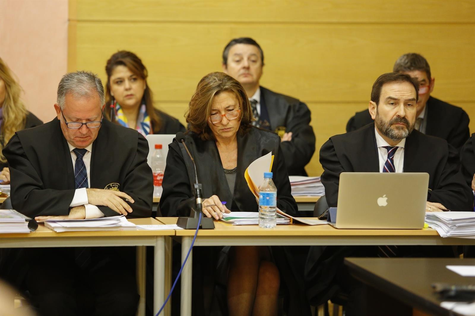 Isabel Nieto defiende la legalidad de las obras en el entorno del Serrallo