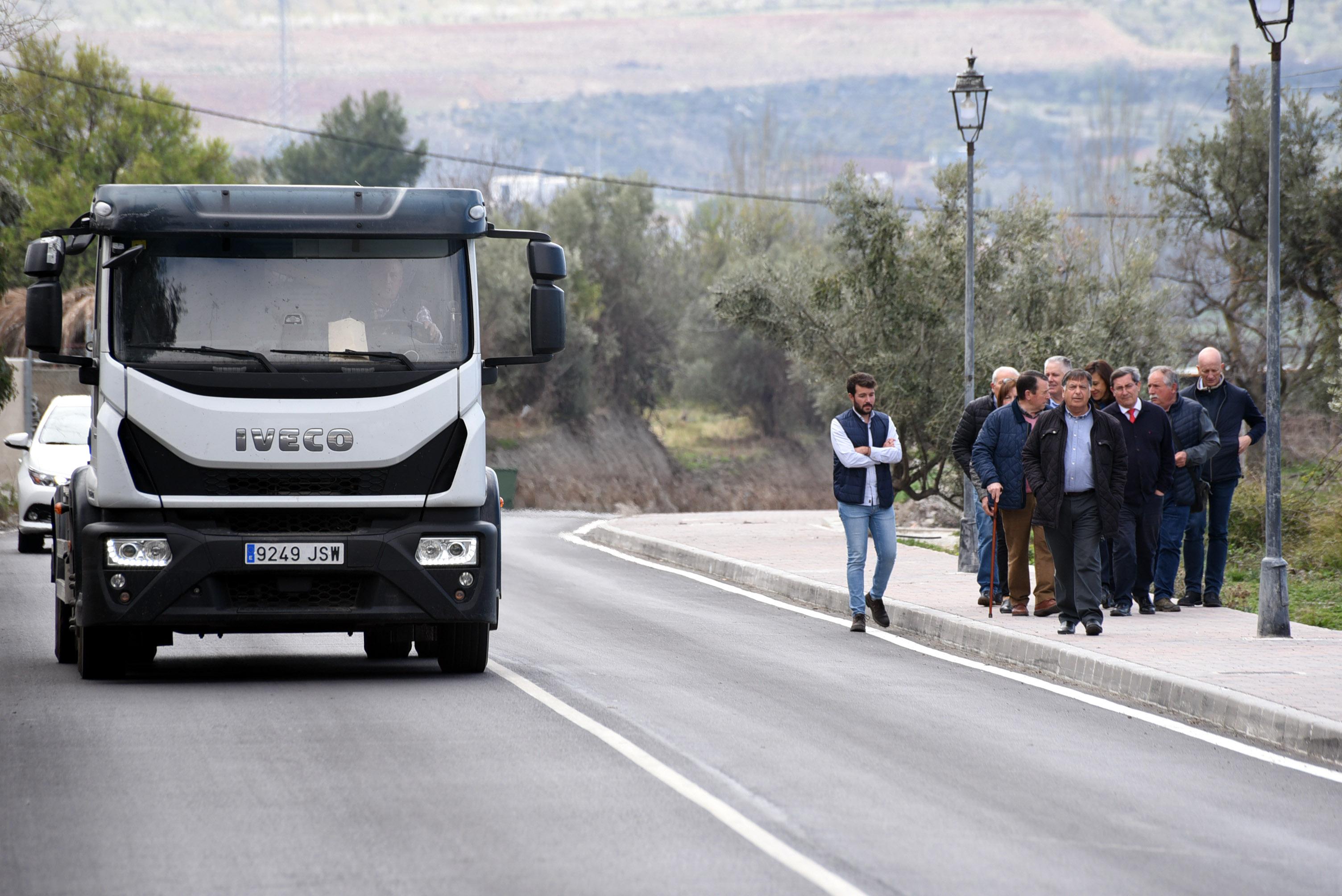 Niguëlas estrena la remodelación de la carretera de entrada al municipio