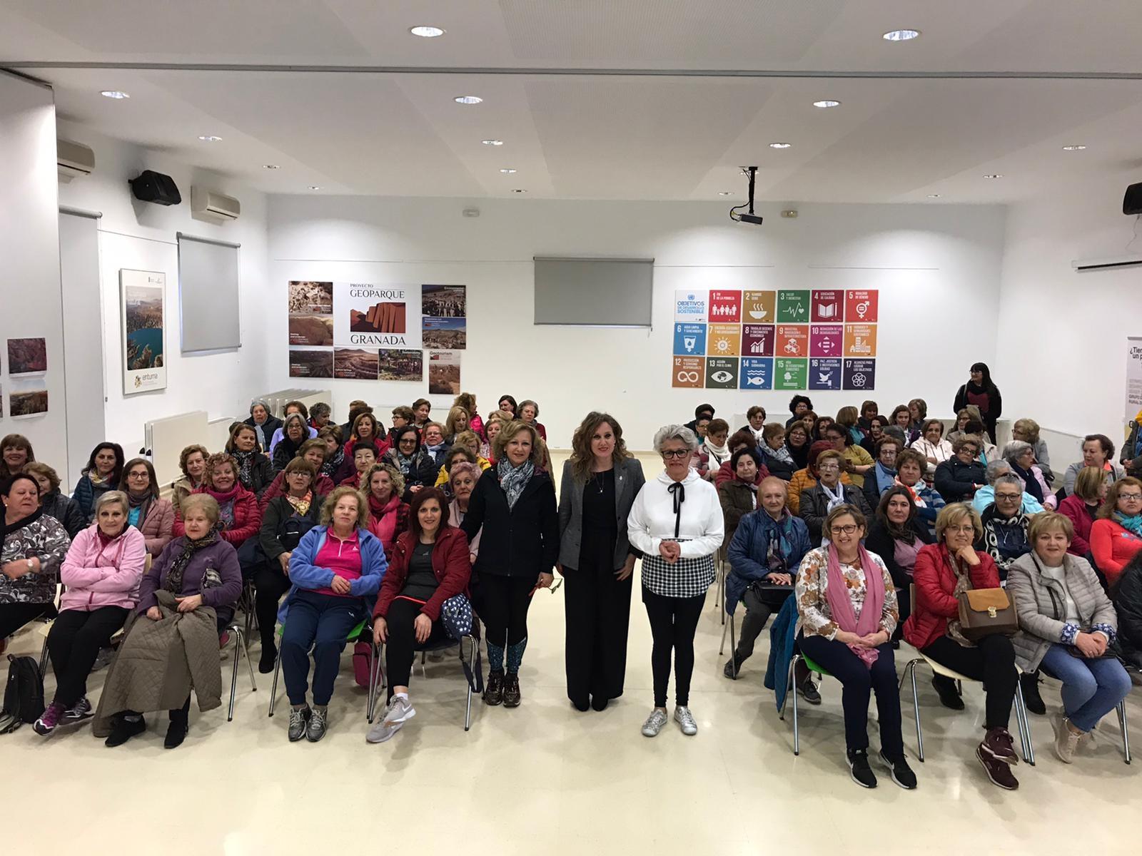 Mujeres de la comarca de Guadix se benefician de un programa de actividades que fomenta la igualdad