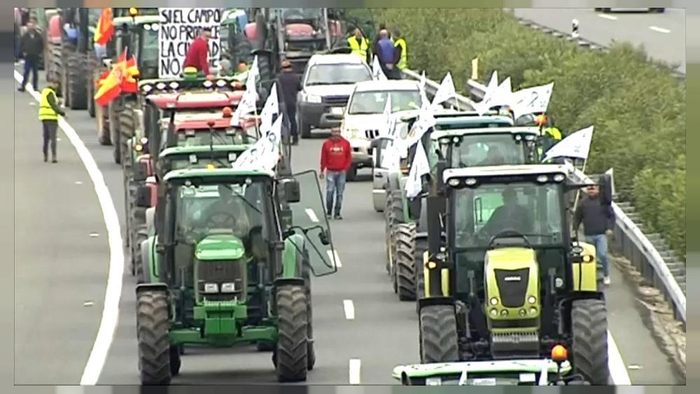 Más de 500 tractores cortarán el tráfico desde primera hora