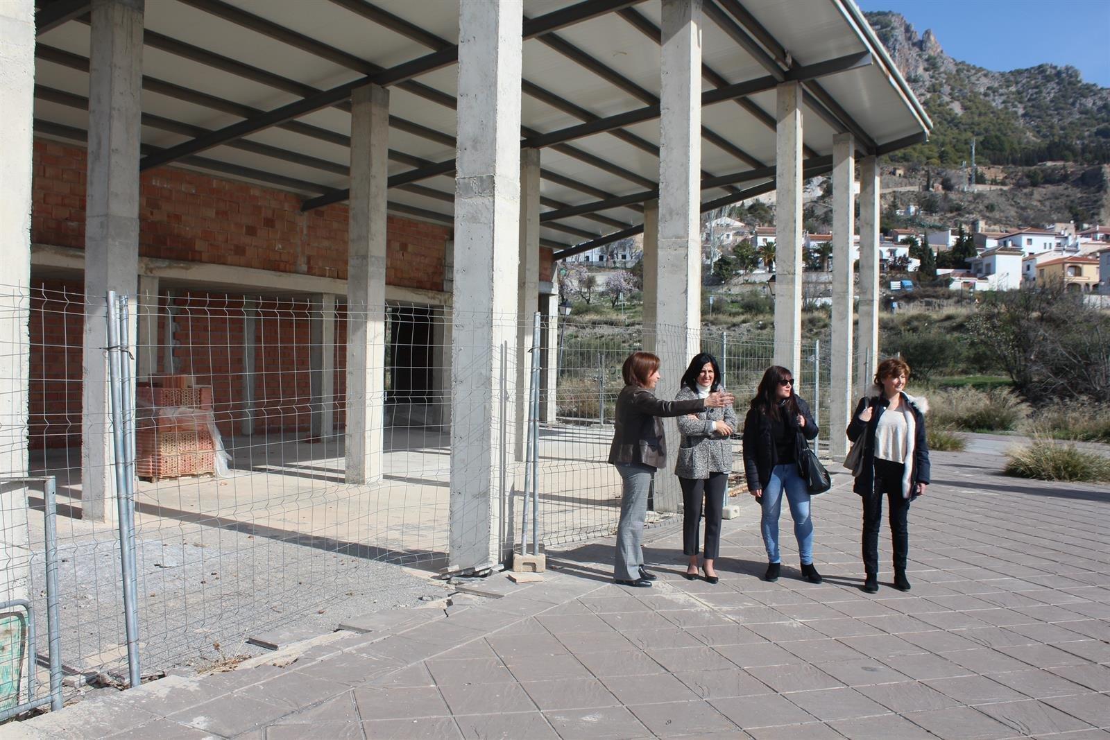 66 trabajadores de Nïguelas trabajan en distintas obras del municipio a través del PFEA