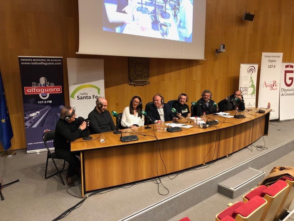 Las emisoras municipales celebran el Día de la Radio con un programa en directo para la red andaluza