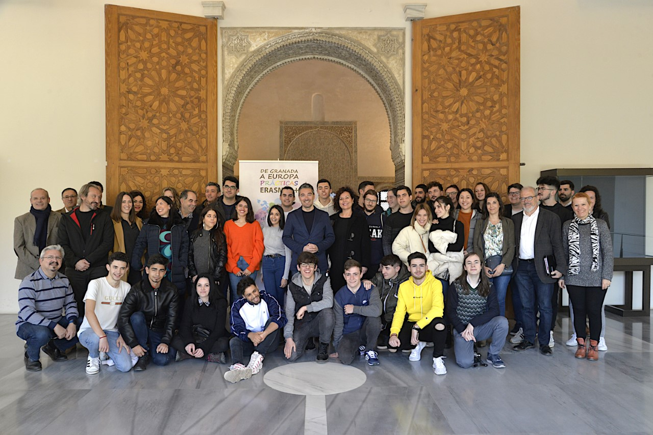 Entrega de diplomas a los participantes en el programa de movilidad Europea Erasmus «Granada FP Share+»