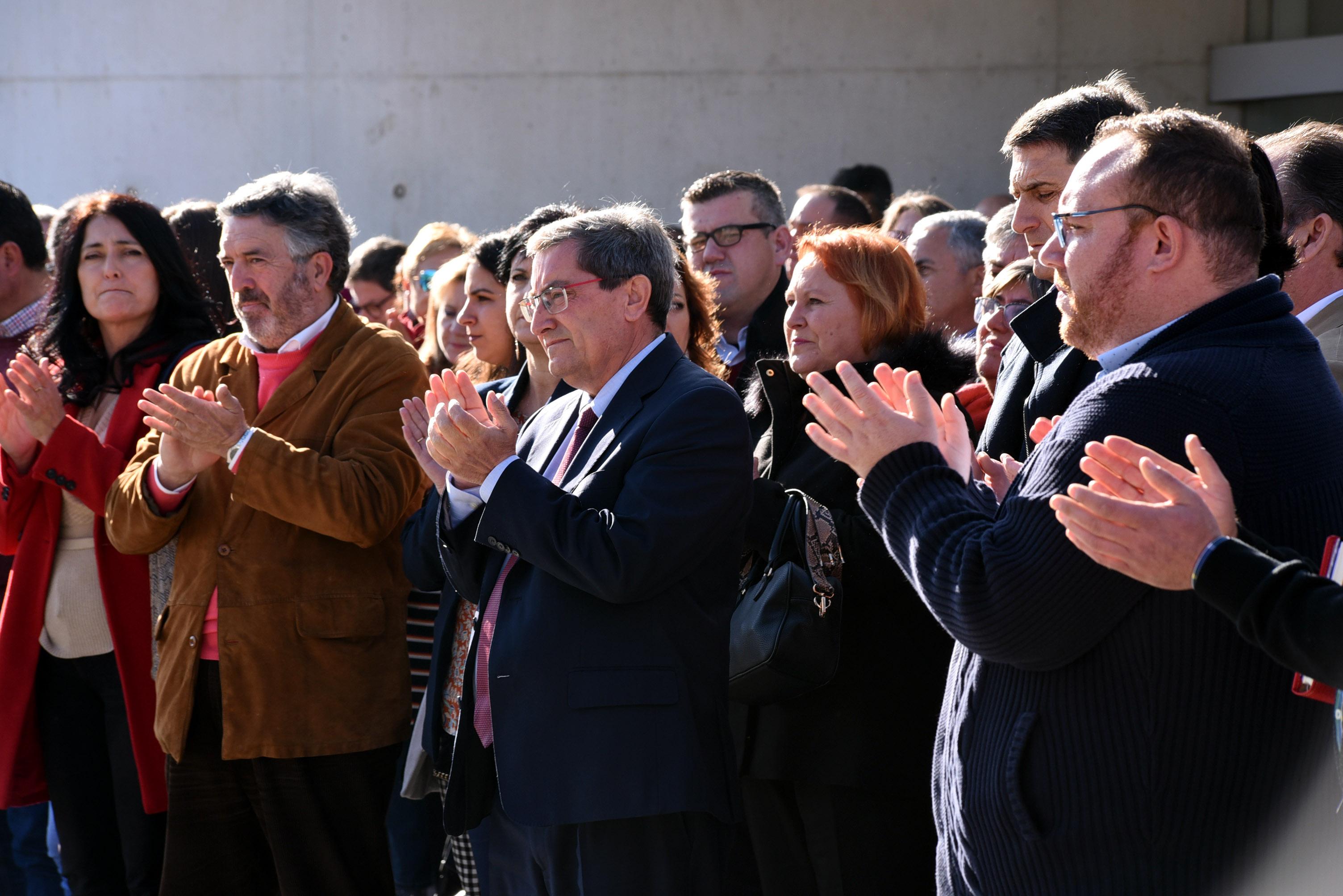 Diputación guarda un minuto de silencio en recuerdo de la última víctima de violencia machista