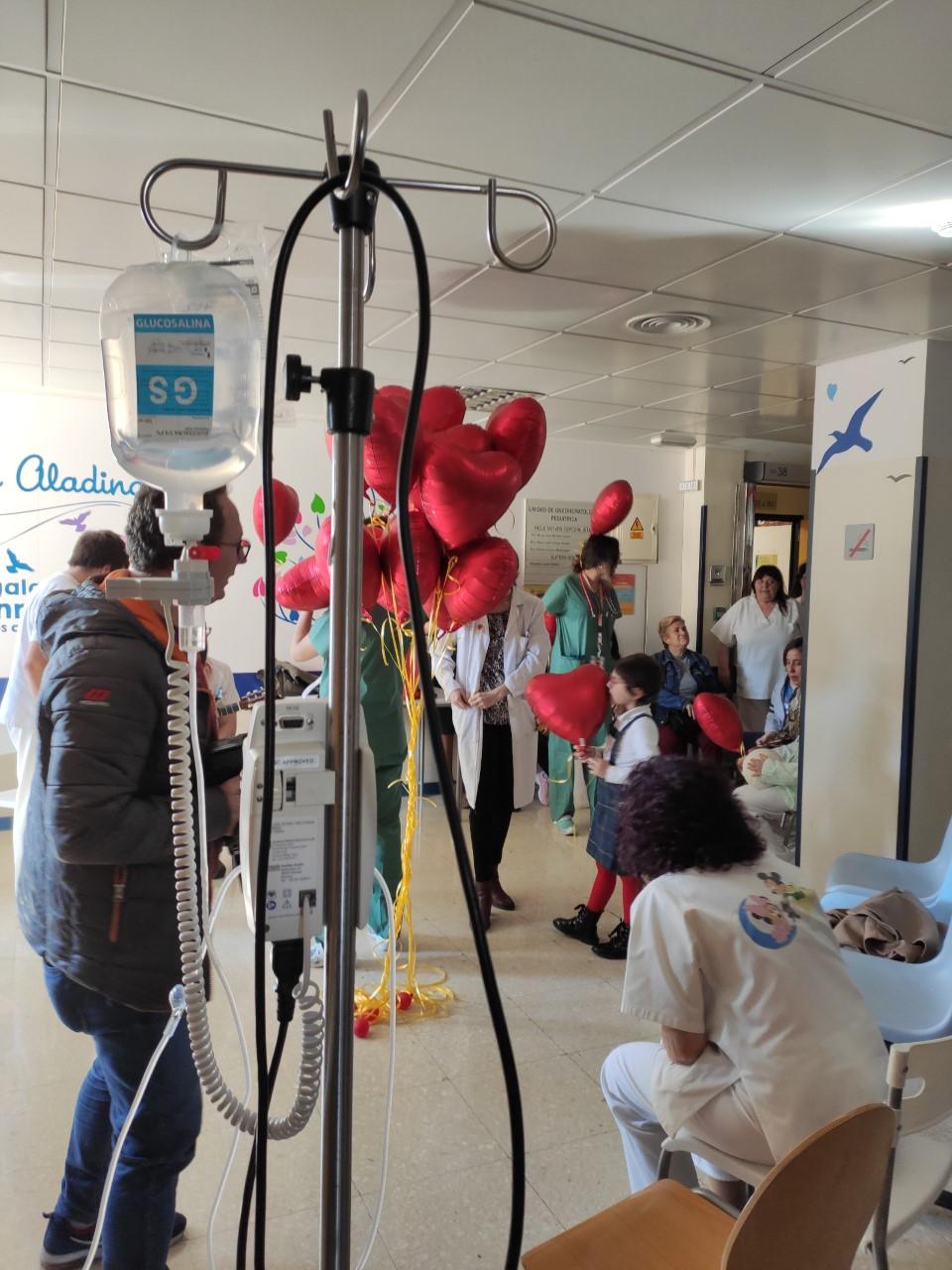 La Unidad de Atención Pediátrica Domiciliaria del HVN ha atendido a una veintena de menores con Cáncer