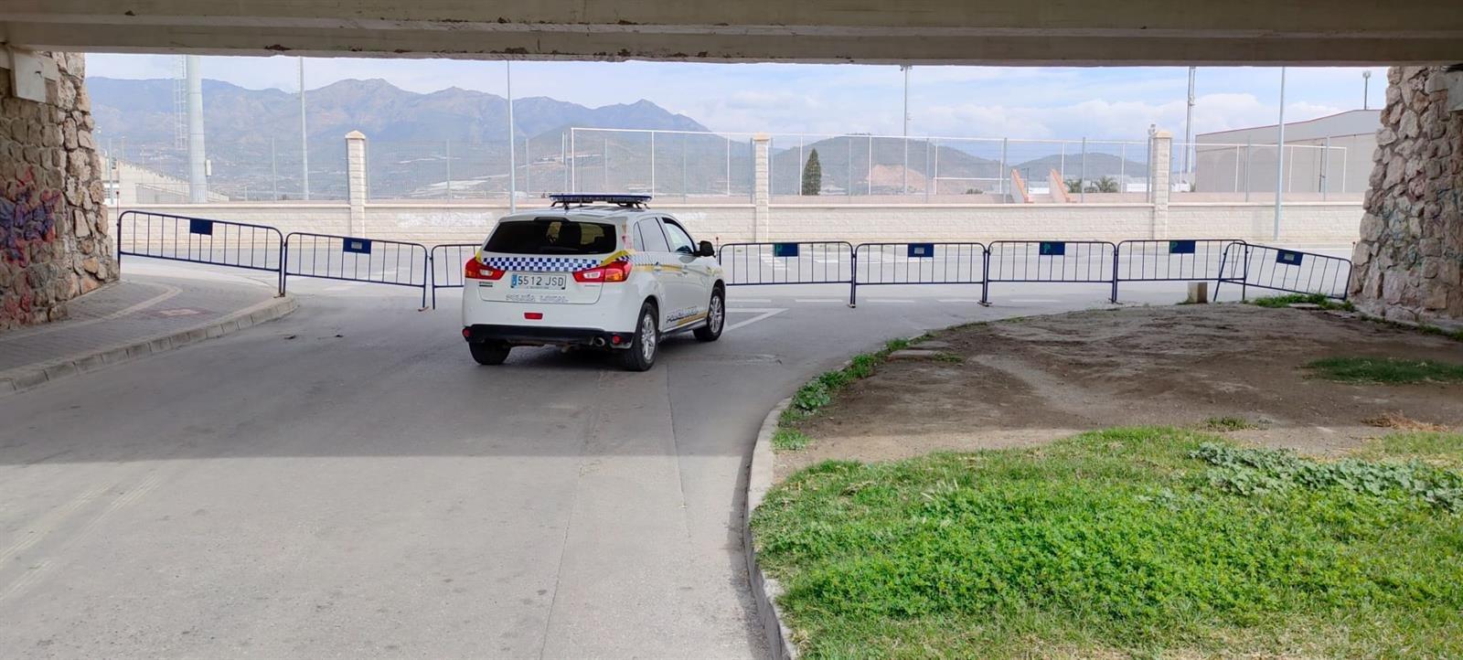 Salobreña cierra tres de sus accesos para mejora el control de la movilidad