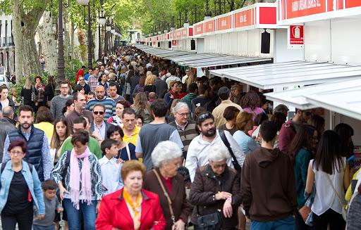 La Comisión de la Feria del Libro de Granada aplaza su decisión hasta la próxima semana