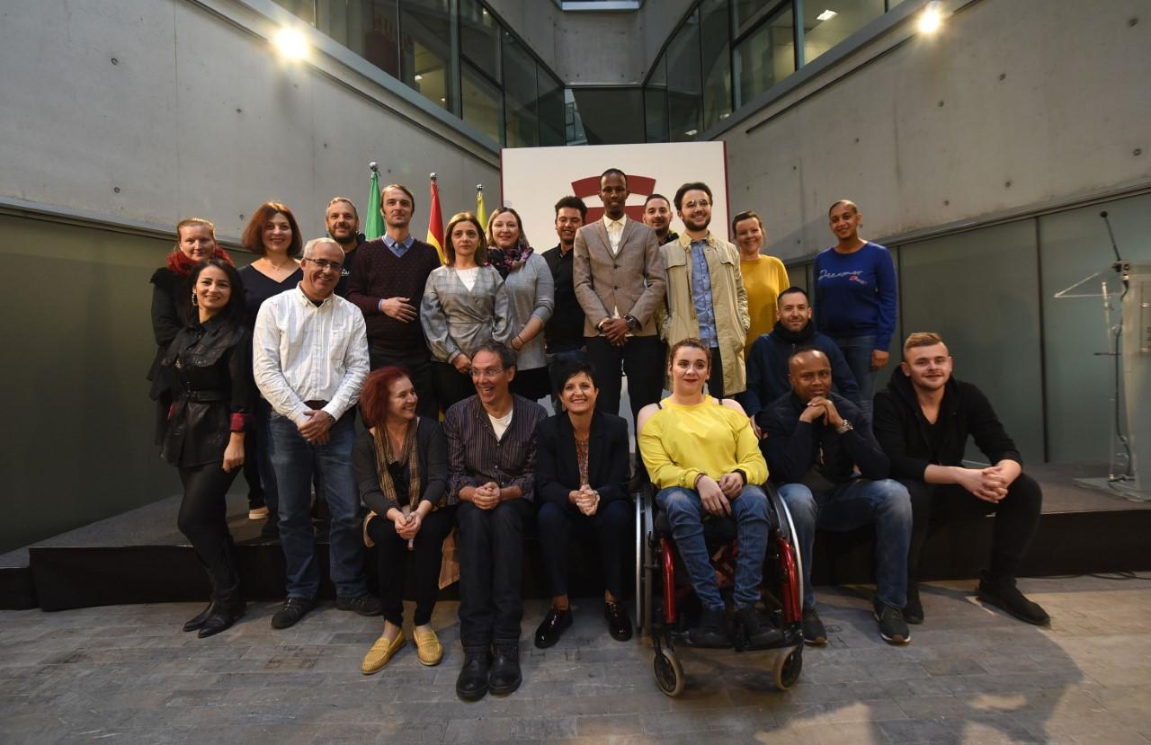 Trabajadores sociales de 11 países visitan la Diputación para conocer sus políticas de juventud