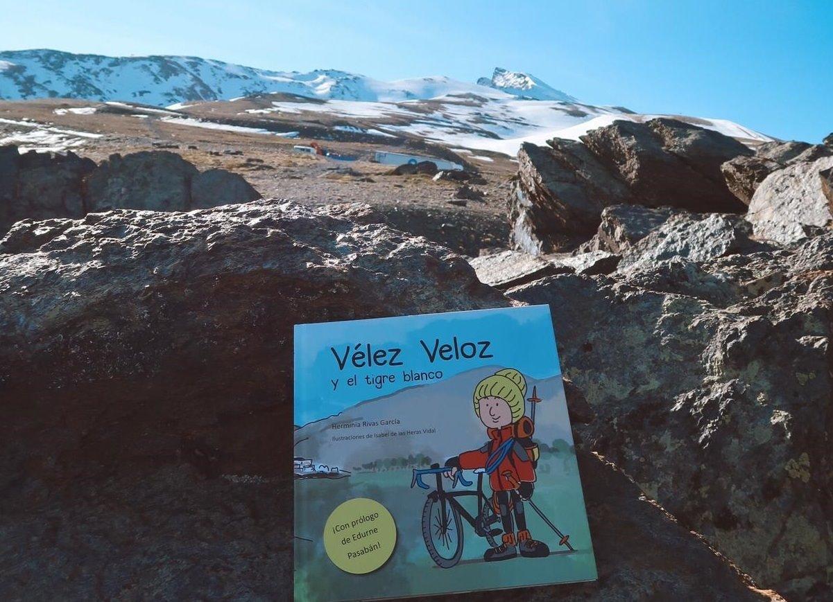 Un libro repasa la vida del montañero granadino Antonio Vélez, desaparecido en los Alpes en 2017